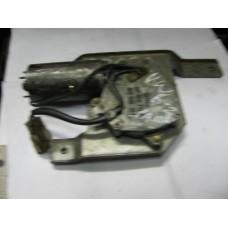 Задний Мотор Стеклоочистителя VW Passat B-2