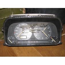 Щиток приборов VW Golf III