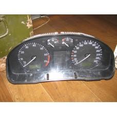Щиток приборов VW Passat B-5
