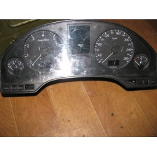 Щиток приборов Audi A-8